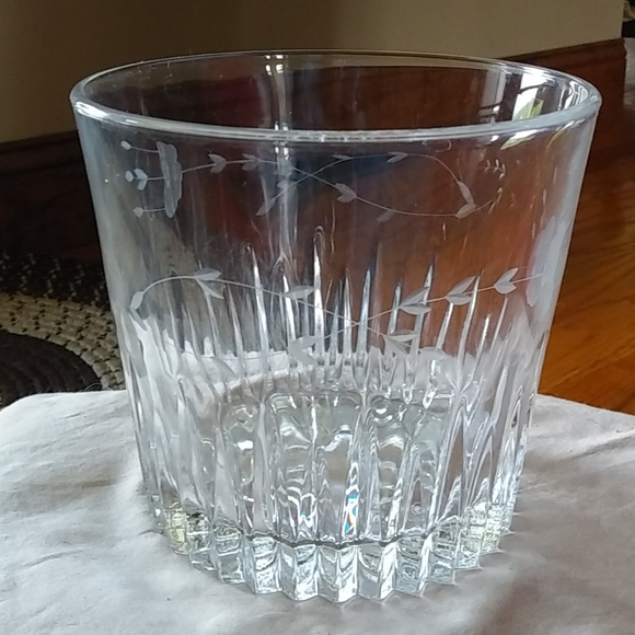 Princess House Other - Stunning Etched Princess House Ice bucket bowl